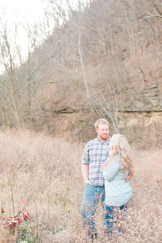 romantic-engagement-photos