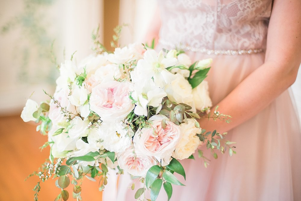 bouquet-pink-white