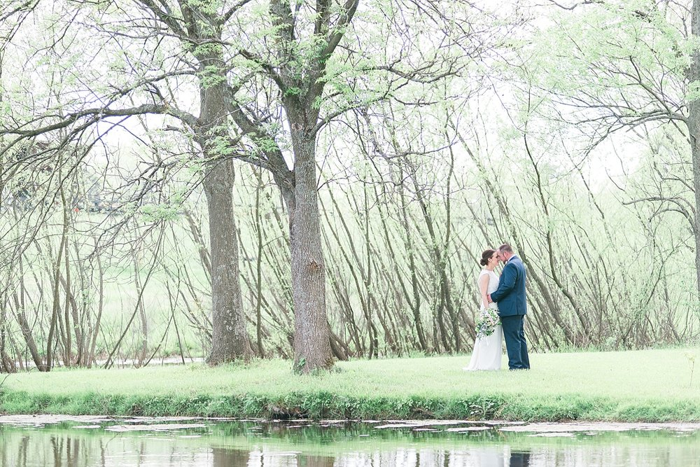 lakeside-wedding-photos