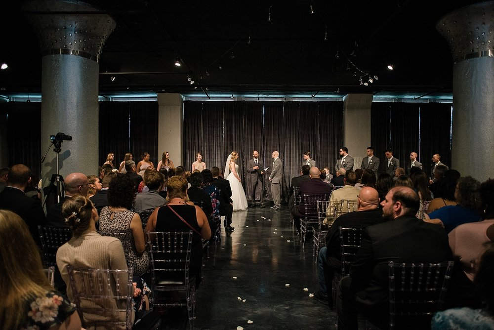 wedding-ceremony-in-glassworks