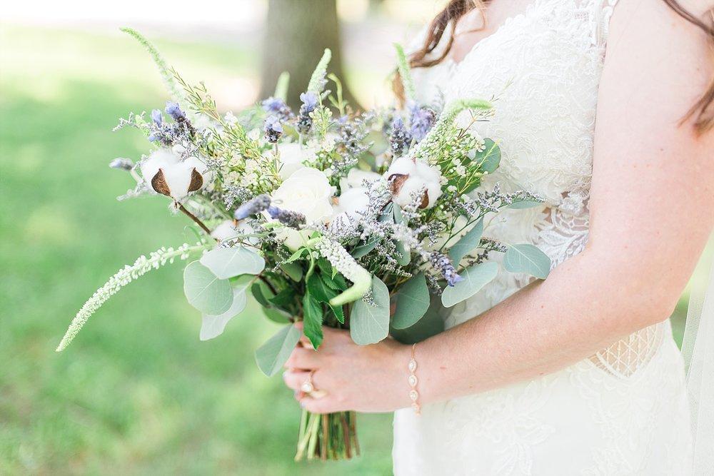 beautiful-natural-wedding-bouquet