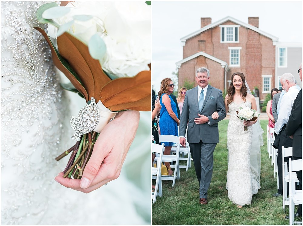 Meredith carried her grandmother's beautiful brooch on her bouquet