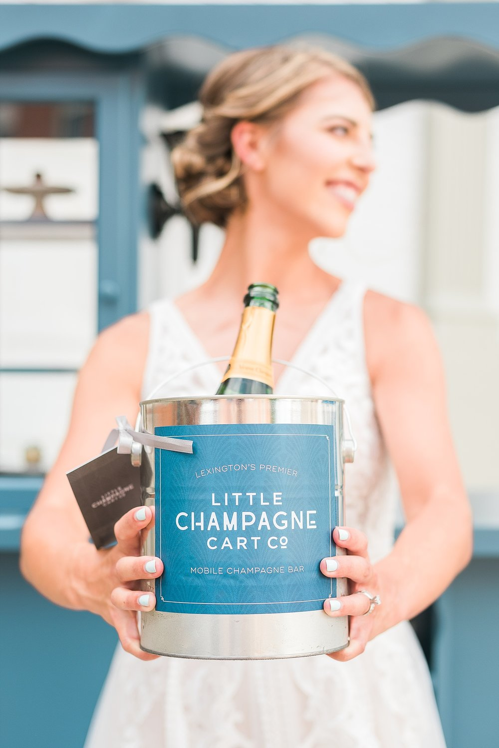 little-champagne-cart-weddings