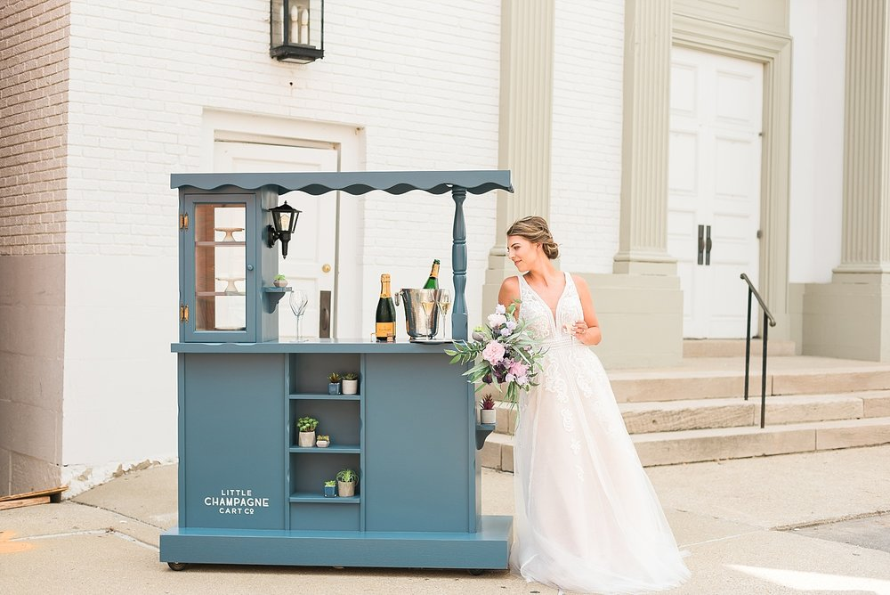 blue-champagne-cart