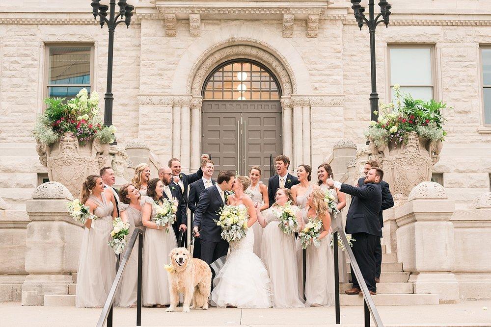 bridal-party-at-limestone-hall