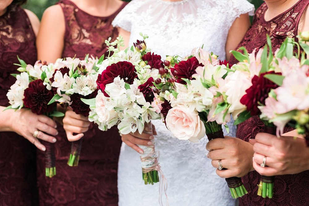 burgundy-pink-bouquets