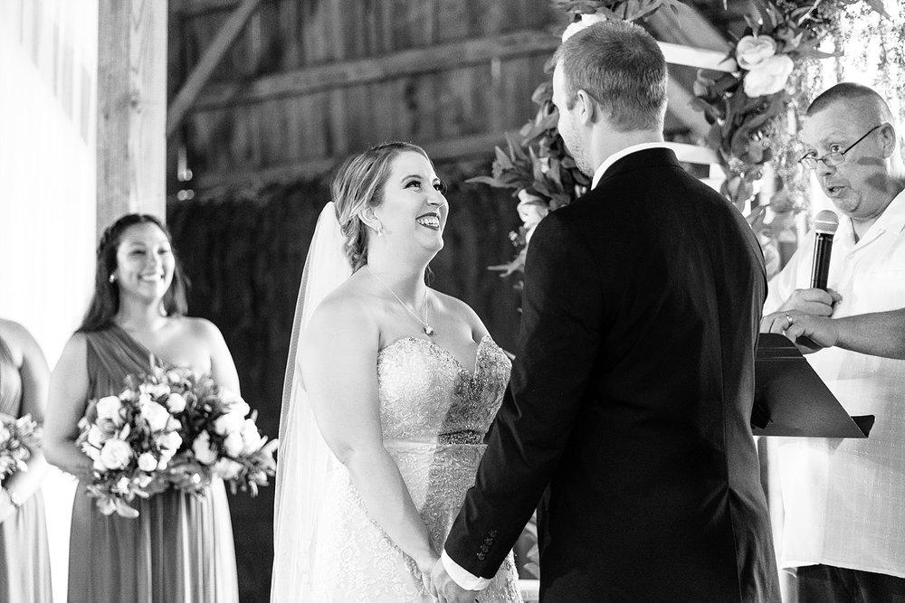 Such a beautiful and joyful bride!
