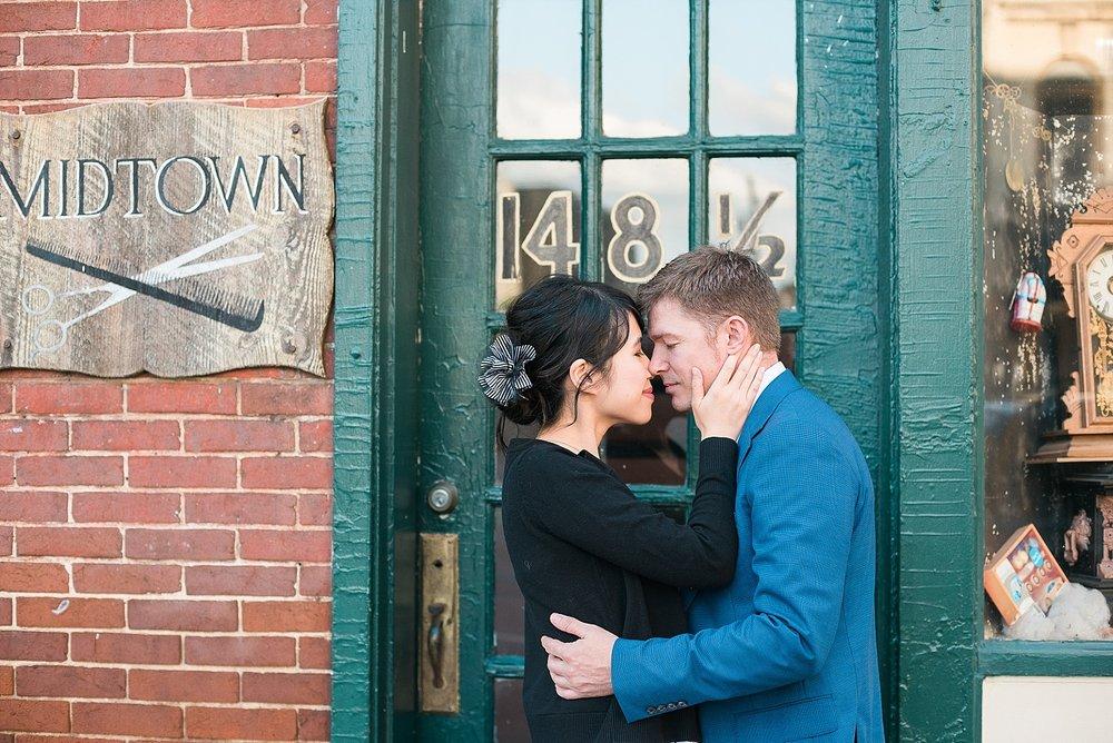 romantic-downtown-engagement-photos