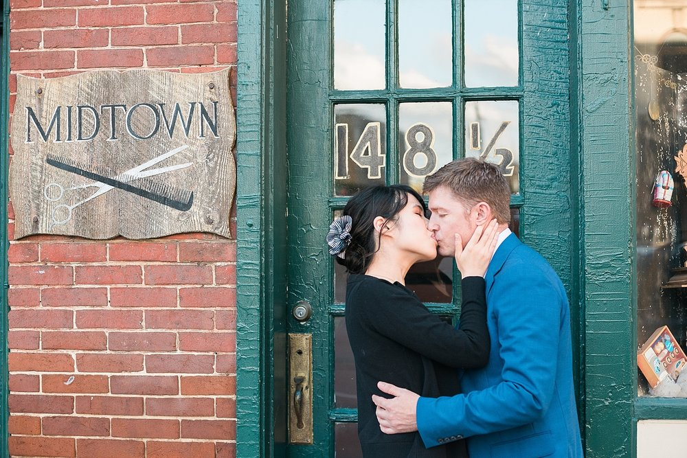 romantic-city-engagement-session