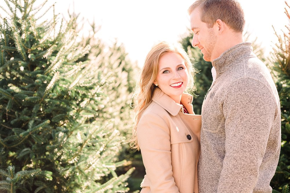 christmas-engagement-session