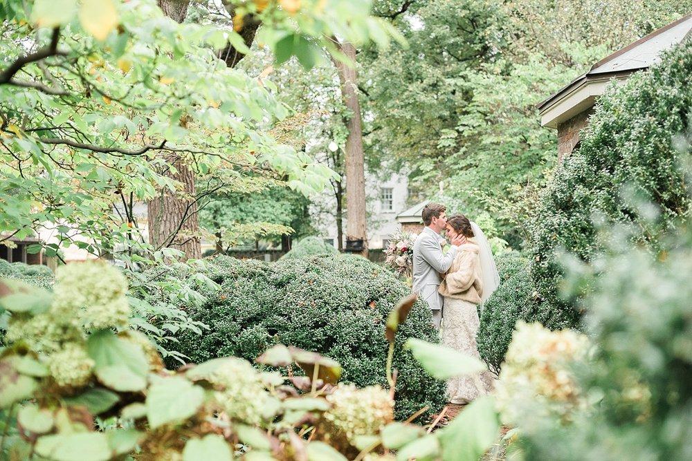 sweet-wedding-poses