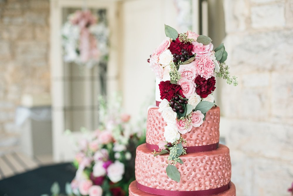 berry-color-wedding-cake