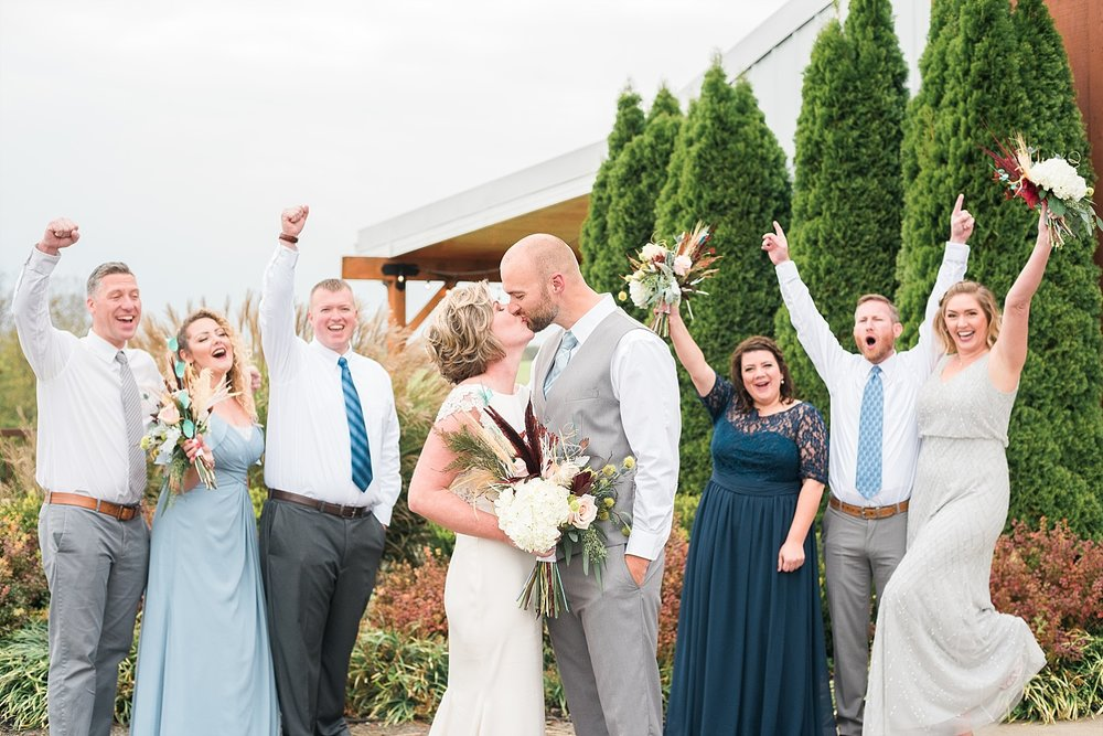 fun-wedding-poses