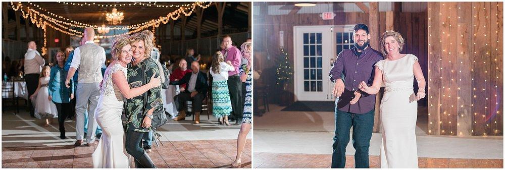 kentucky-wedding-reception-friends