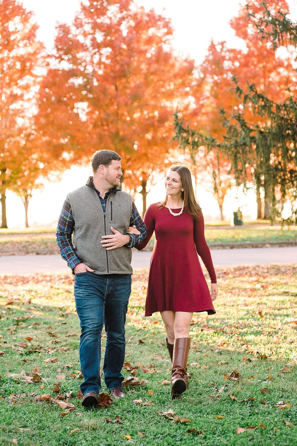 late-autumn-engagement-session