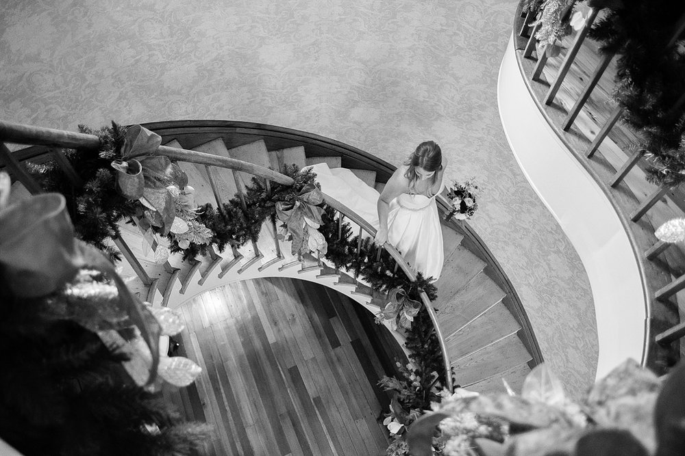 bride-on-staircase