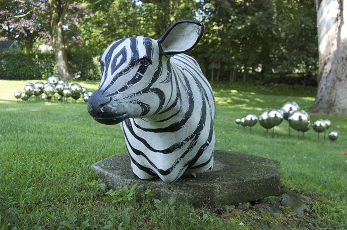 John Armleder, Limousine , 2011, sculpture,48 x 21 x 13 in