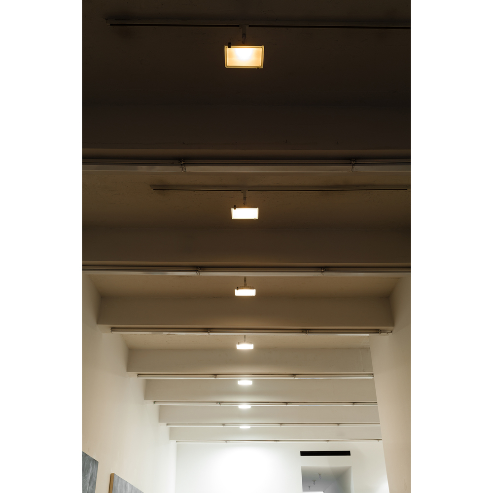 Lazaros,  Kae-e-vanrash , 2015, incandescent light, dimensions variable