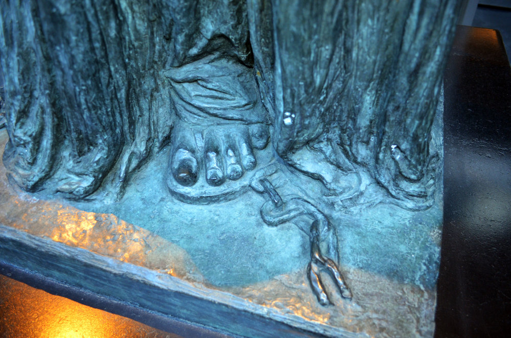 statueoflibfoot.jpg