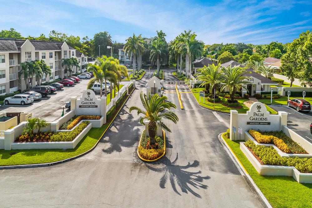 palm_gardens_0979jpg - Palm Garden