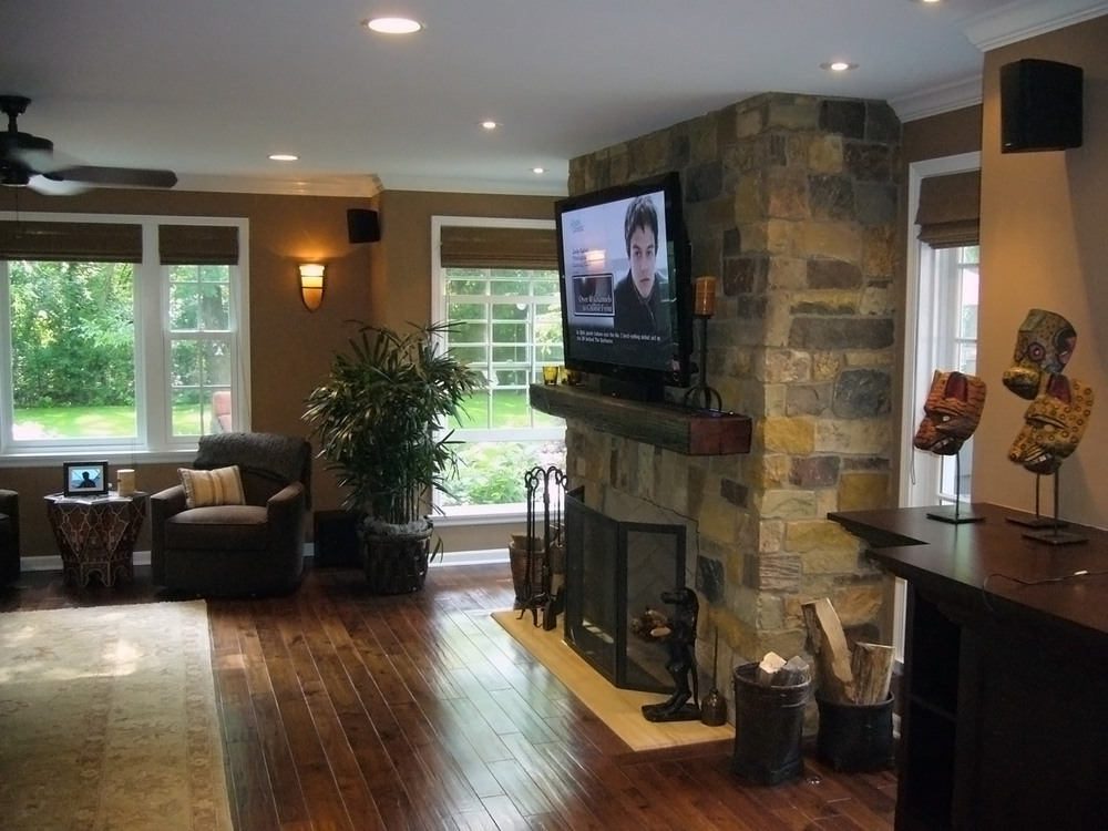 Fireplace / Living Room