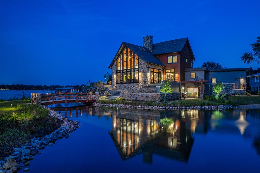 Modern Solar Lakehouse | Lake Zurich