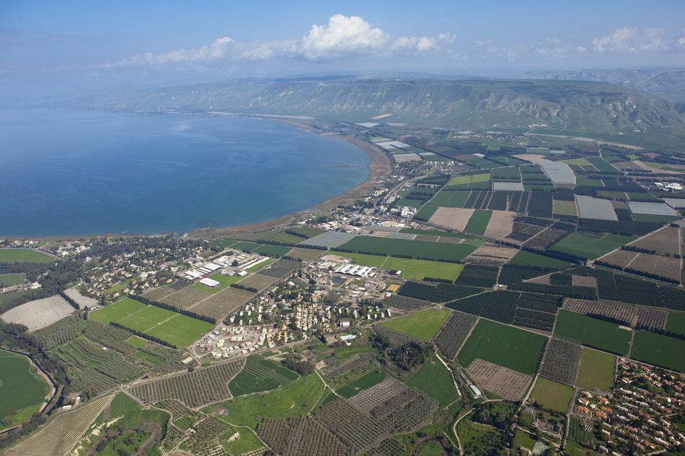 SEA_OF_GALILEE_-_AERIAL_VIEW_Itamar_Grinberg_IMOT_(15173693126).jpg