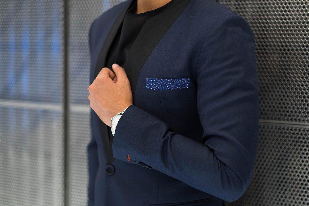 suit sleeve buttonhole