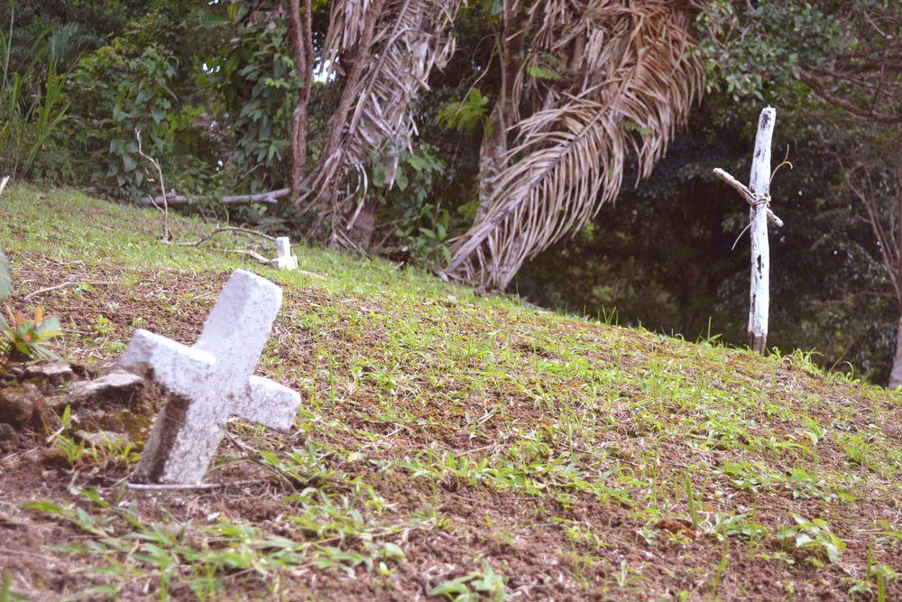 Dato curioso: Cementerio cercano de la época de Victoriano Lorenzo. Nadie sabe quienes son las personas que están aquí