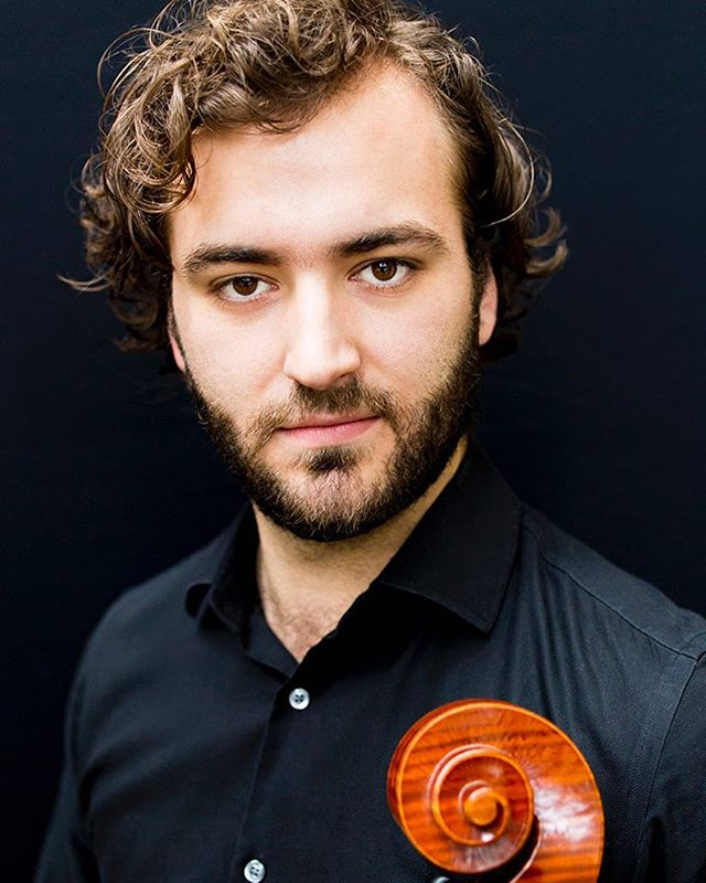 Meet Paul Dwyer, one of the members of the new MFS Artist Collective. Paul is an extremely versatile #cellist based in Chicago and New York. He has founded several ensembles and currently enjoys the post of Asst Principal Cello of @chicago_lyric_opera_orchestra . Glad to have you on the MFS team Paul! Check out Paul's profile in the bio link. #musicinfamiliarspaces