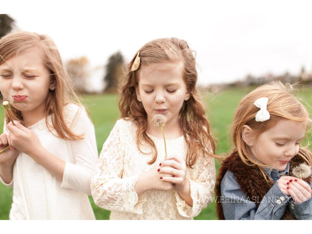 Erin Aasland Snoqualmie Childrens Photographer Sisters Dandilions
