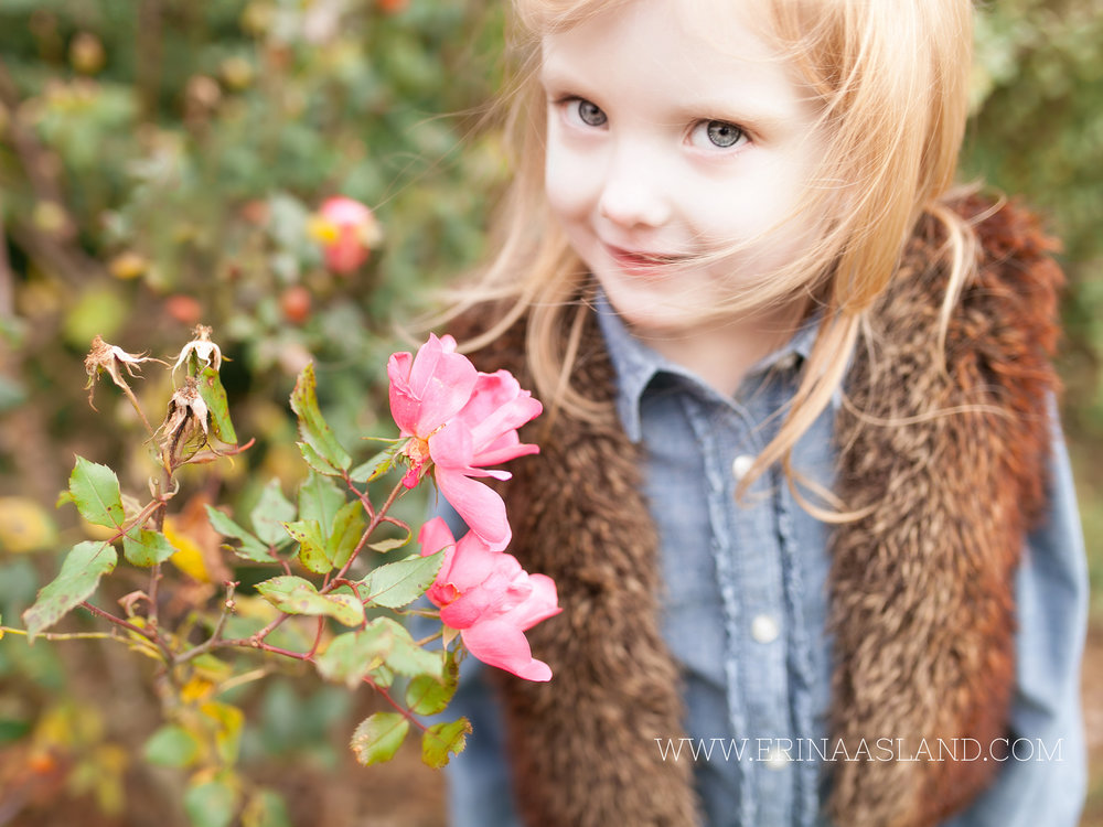 Erin Aasland Snoqualmie Childrens Photographer by the Roses