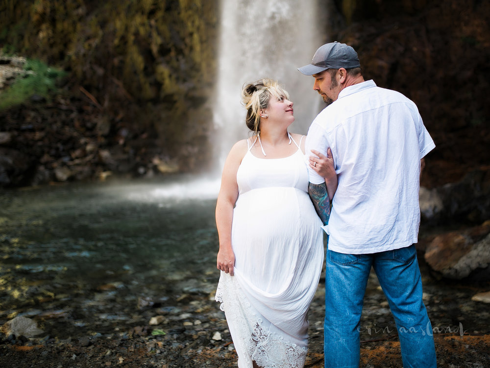husband wife waterfall maternity