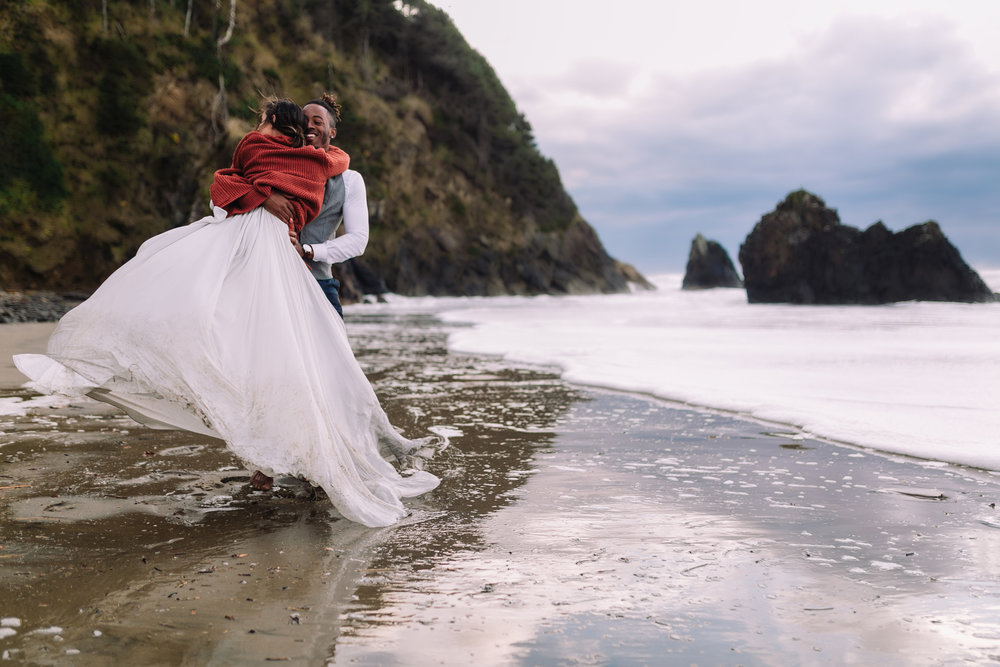 Erin Aasland Adventure Elopement Oregon twirling bride and groom