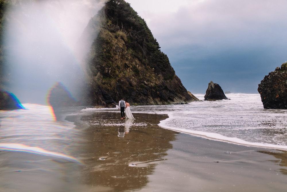 Erin Aasland Elopement Photographer Oregon Prism Rocks Surf Storm