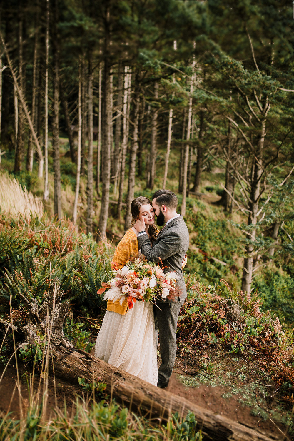 Erin Aasland Elopement Photographer PNW Cliffs Oregon Coast