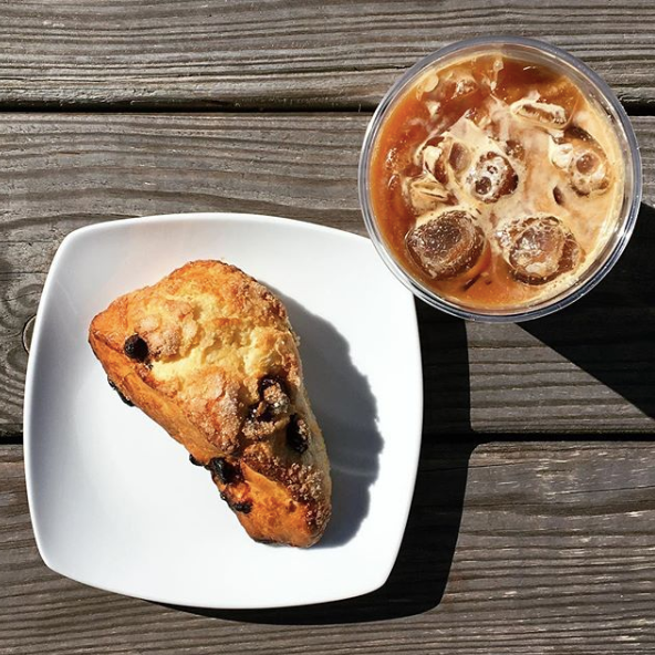 3FISH COFFEE   HOT & COLD COFFEE & PASTRIES