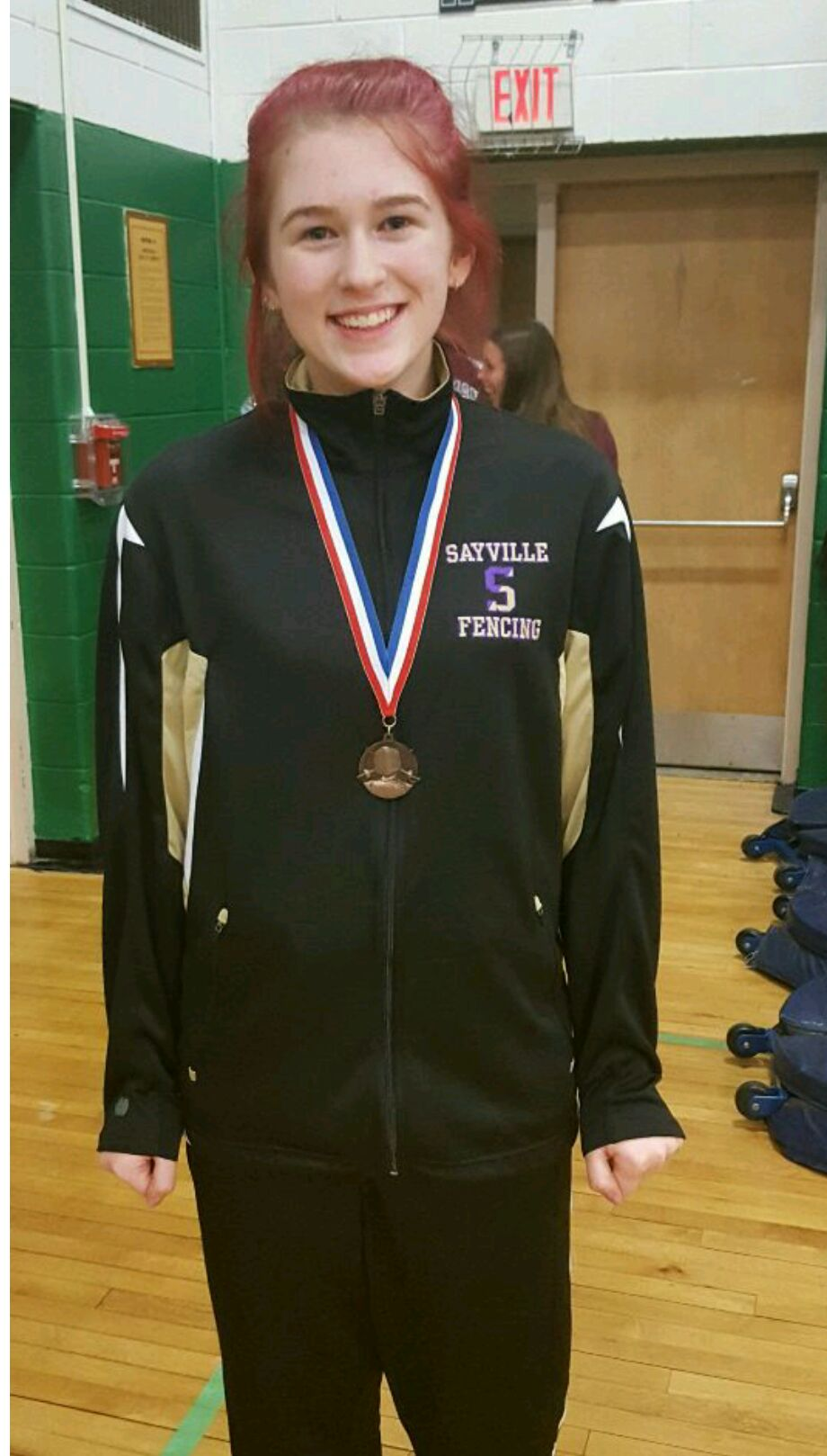 Congratulations to SFA member and Sayville High School fencer, Madelyn Wagner, for taking 3rd place in women's sabre at the Brentwood Holiday Tournament for Suffolk County high school fencing teams!