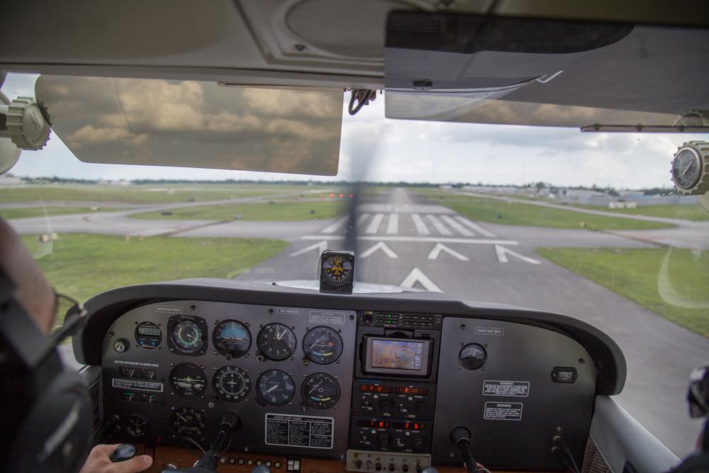 student-pilot-landing