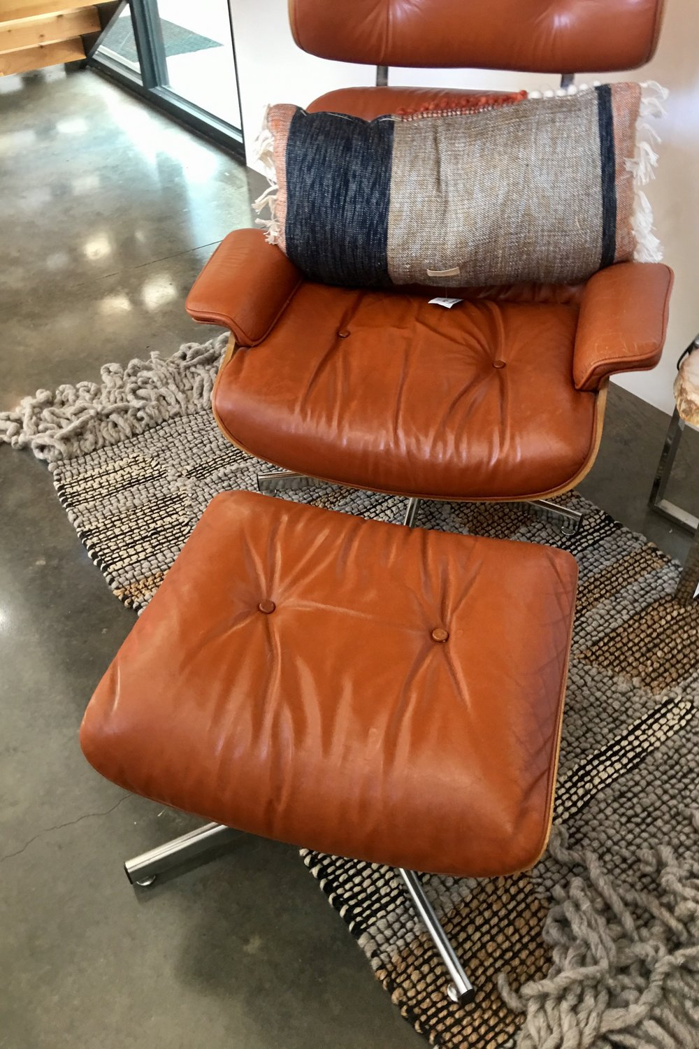 I'm always drawn to modern clean lines and this chair was screaming my name!  Now, granted, it's not one I could totally crash in, but it would do in a nice nook in a bedroom or corner by the fireplace.