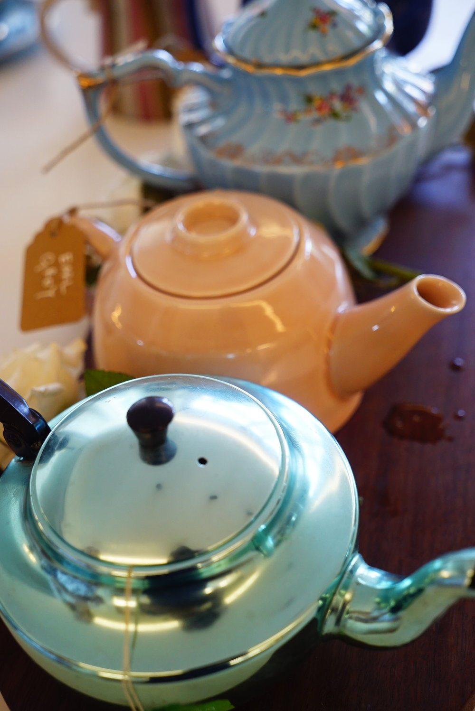 vintage teapots.JPG