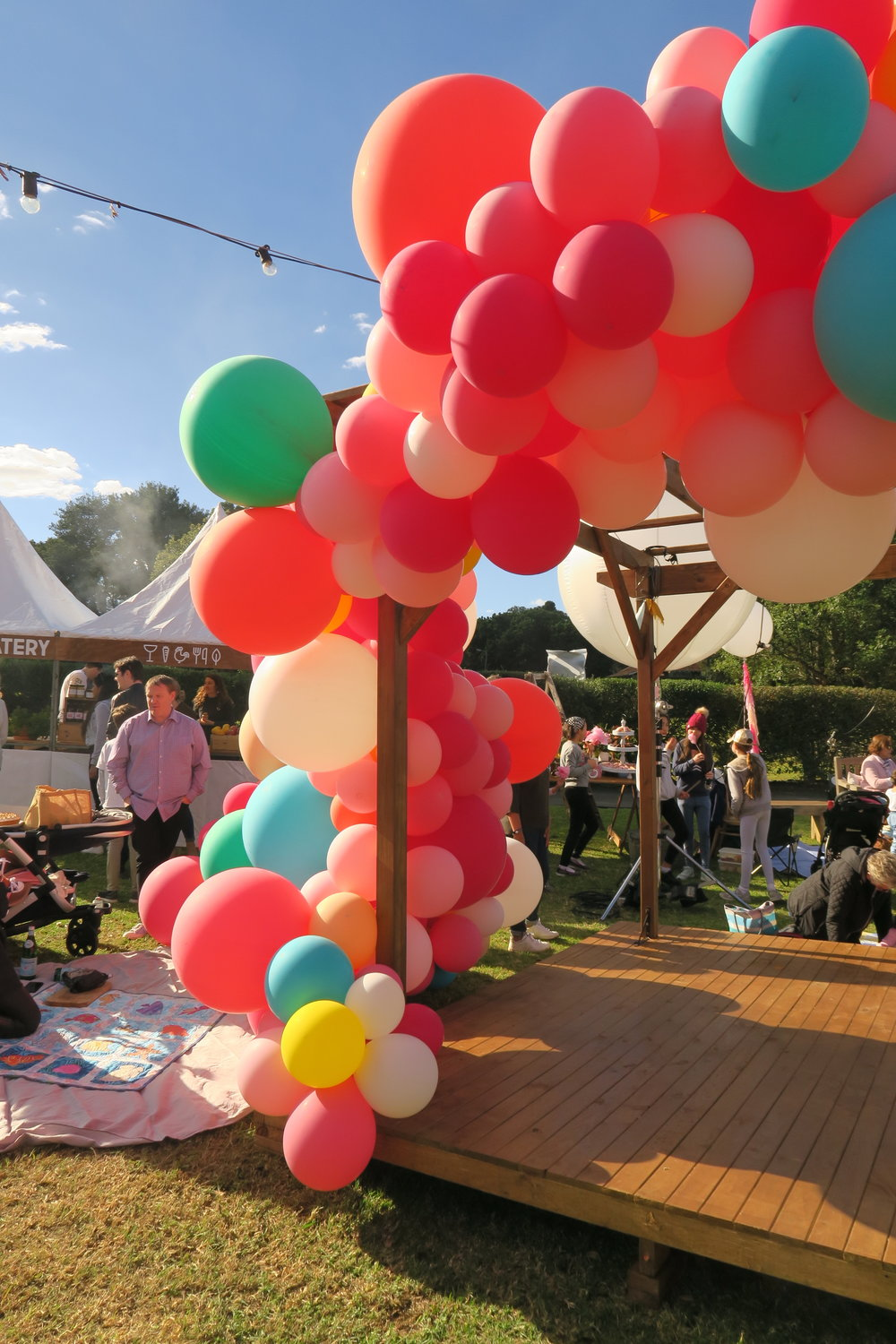 balloons great australian bake off final.JPG