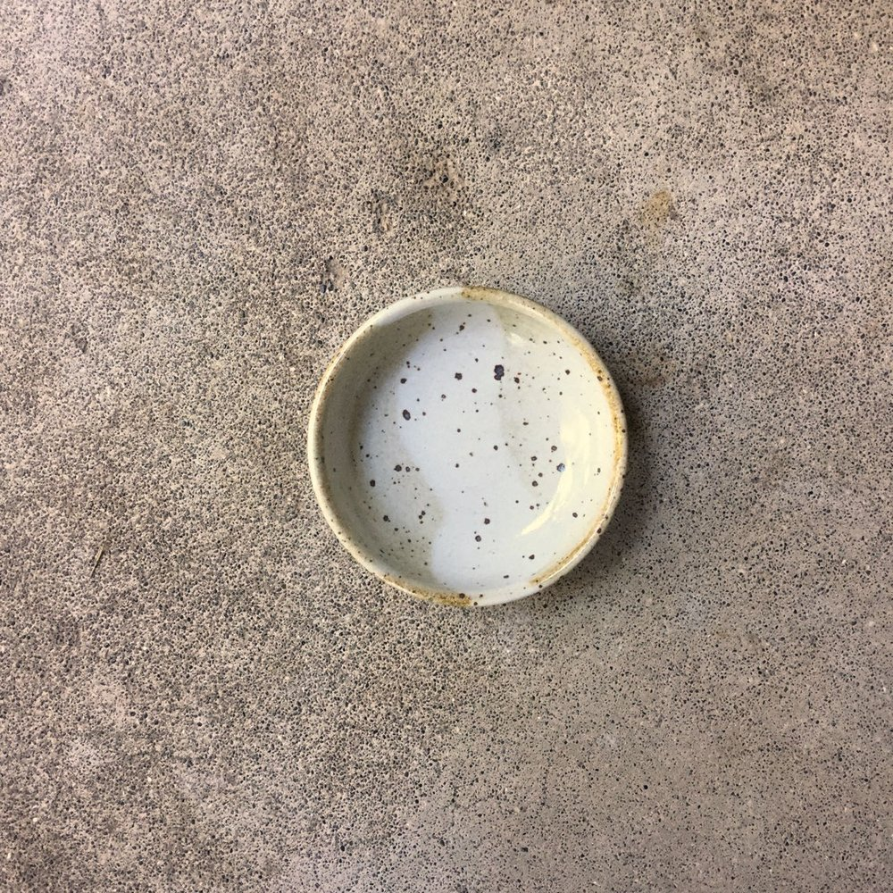 814 Glossy white condiment top.jpg