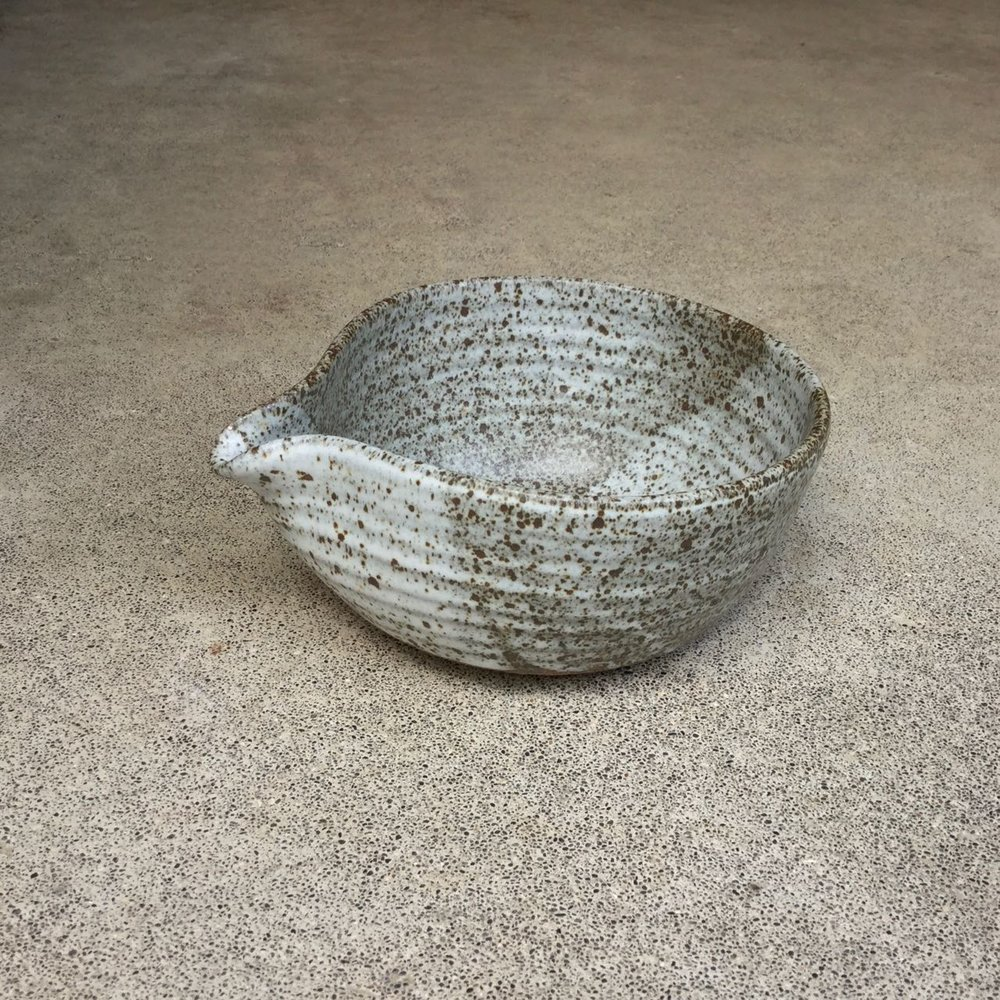 837 Speckled spouted bowl side.jpg