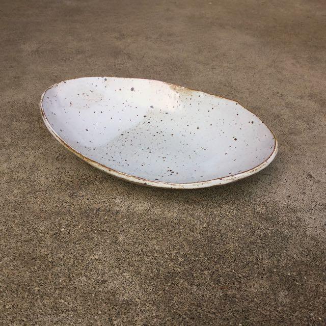 915 Glossy white oval side.jpg