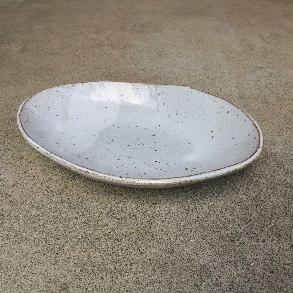 970 Oval glossy white side.jpg