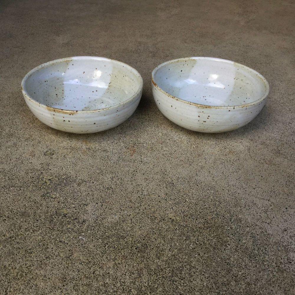 1002 Pair glossy white oatmeal side.jpg