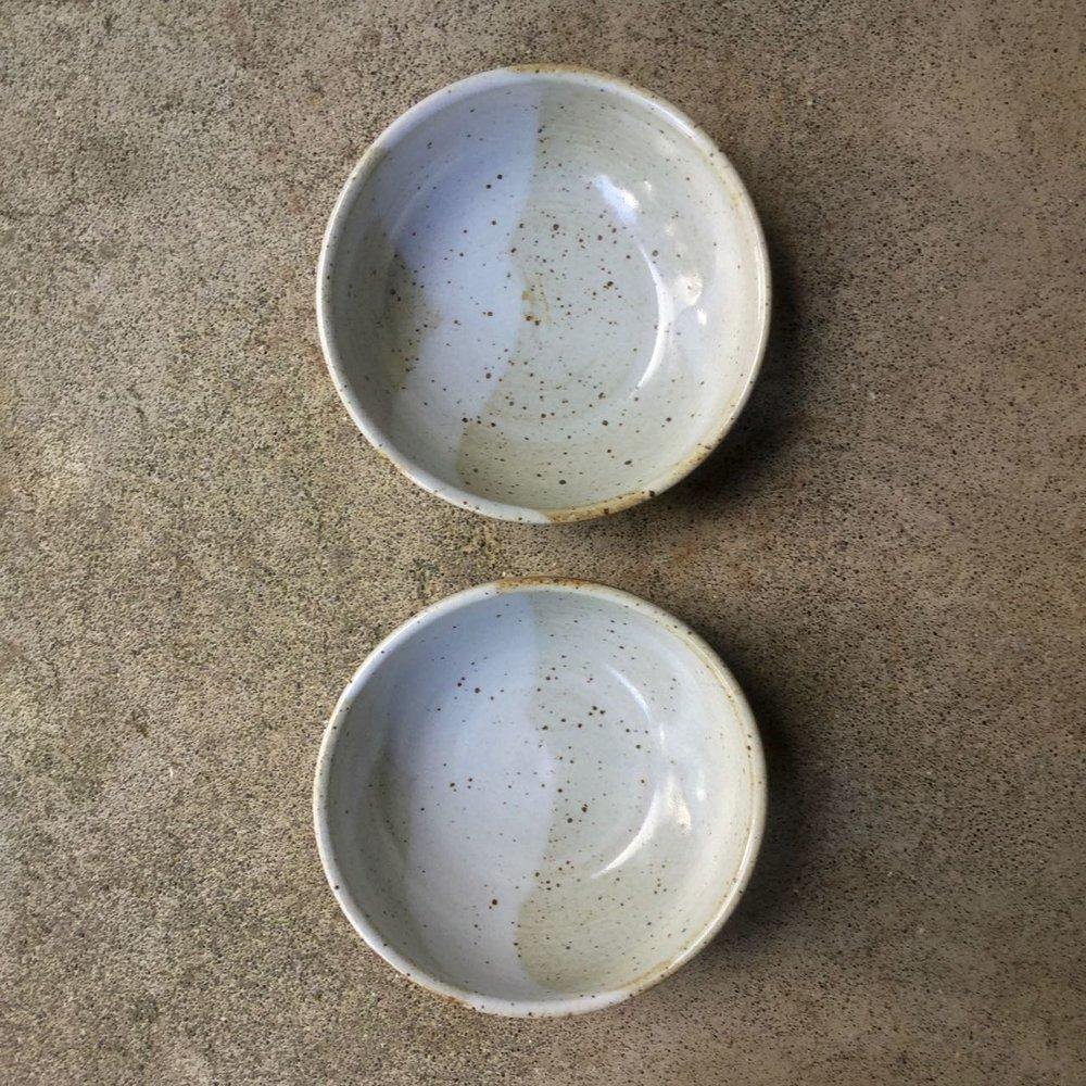 1002 Pair glossy white oatmeal top.jpg