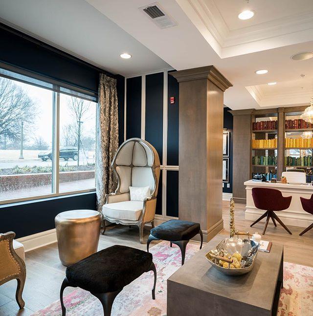 Modern meets classical meets eclectic 😍 #interiordesign #urbanikinteriors