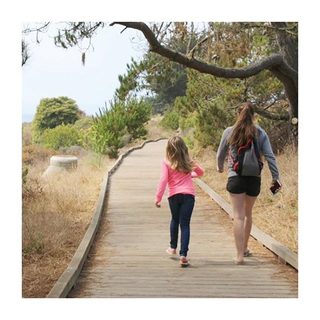 Sisters making the absolute best adventure buddies in Cambria Moonstone, California. We love this! 💛 📷 @itisalovelylife